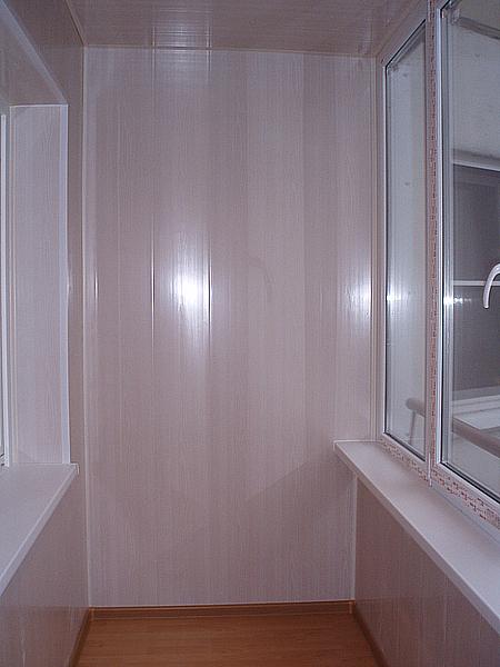 Услуги - внутренняя и наружная отделка балконов и лоджий.